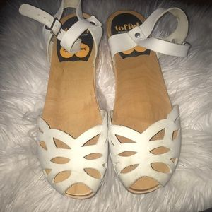 Toffel Swedish hasbeens white sandals